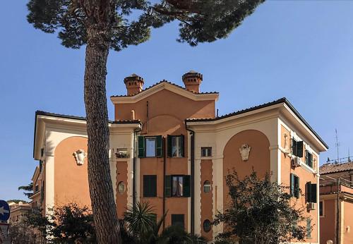 Un piccolo condominio a Roma