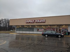 willimantic plaza shopping connecticut family dollar