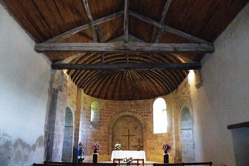 20090528 153 1107 Jakobus Sensacq Kirche Muschelchor Altar