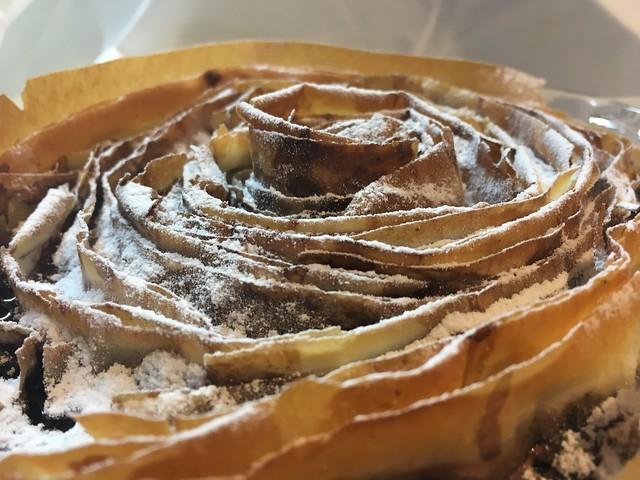 Ruffles de masa filo con chocolate