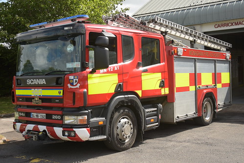 Monaghan Fire Authority 2004 Scania 94D 260 Browns WrL 04MN1949