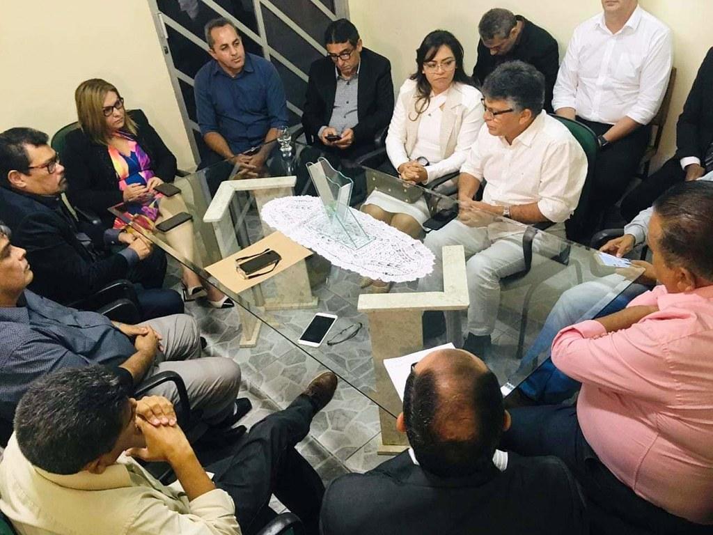 Prefeita de Faro eleita nova presidente da Amucan; eleição ocorreu em Belém, Amucan - prefeitos reunidos