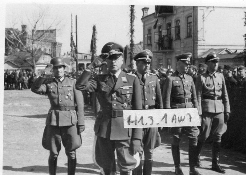 урочитості з нагоди дня народження Гітлера за участю Кітцінгера, 1942 р. Rowno, 1942-3