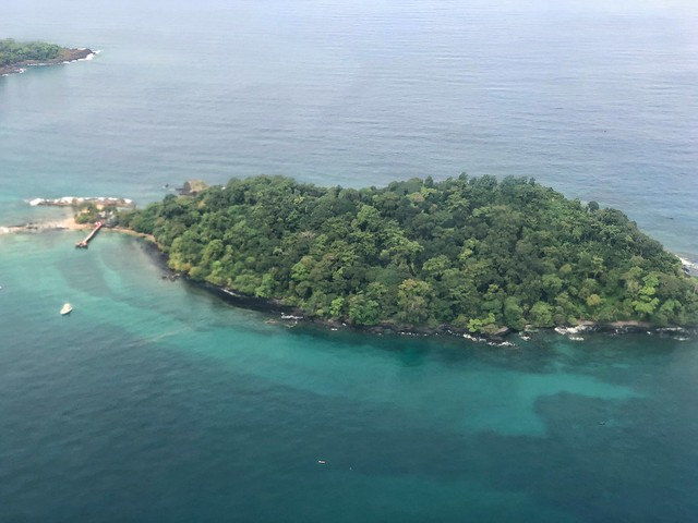 Isla Bom Bom desde el avión (Príncipe)