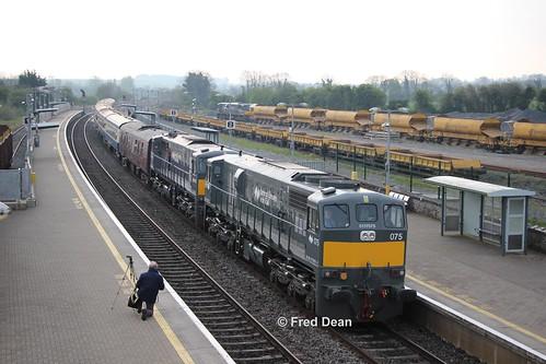 Irish Rail 075 + 082 in Portarlington.