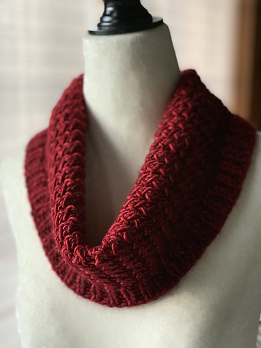 JChan8's gorgeous Crystalline Cowl by Jane Vanselous knit using Malabrigo Mecha