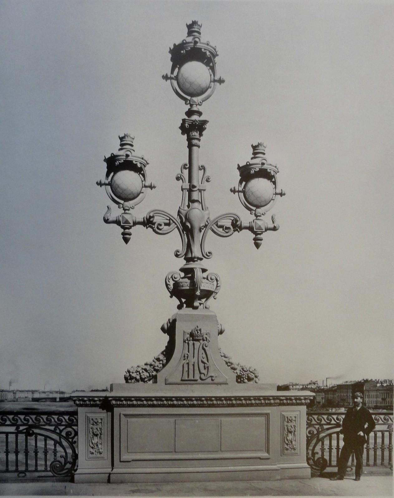 1903. Канделябр. Апрель