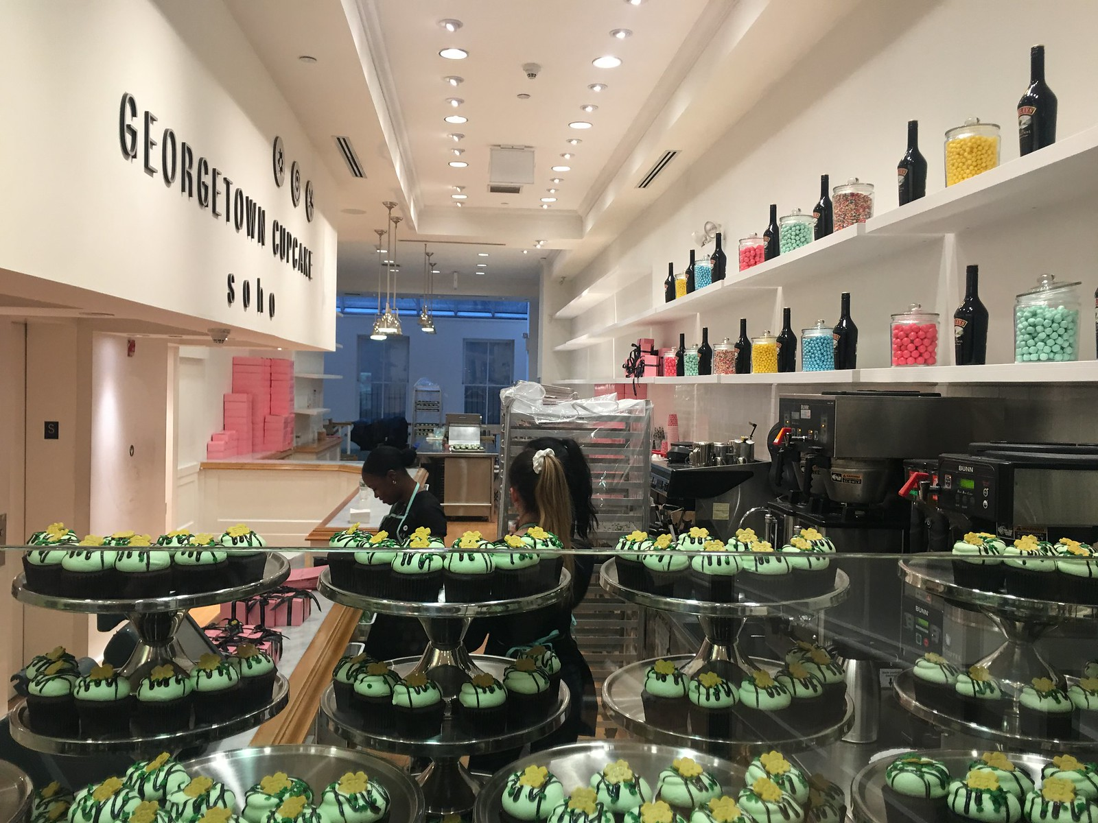 Georgetown Cupcakes, photo by Socially Superlative (5)