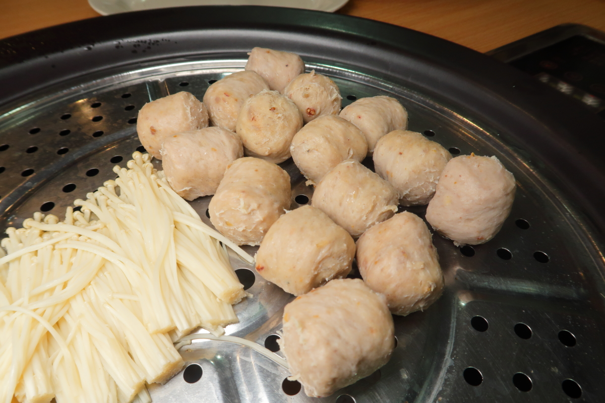 MQL Steamboat Meatballs