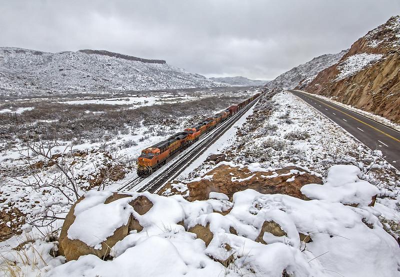 BNSF 6931 E H BARGAL1 16A Valentine, AZ