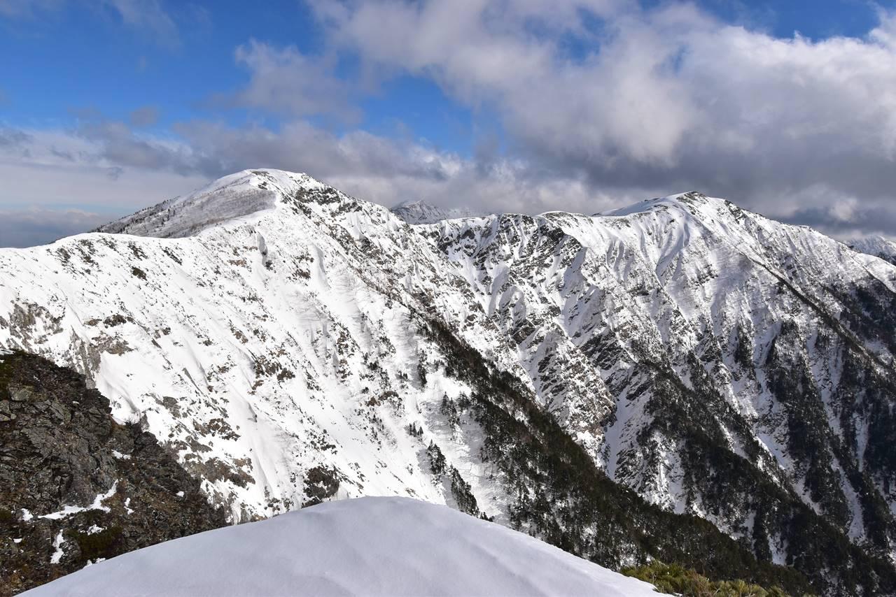 南アルプス・前小河内岳~小河内岳 雪の稜線