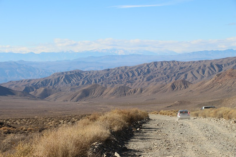 Looking back down Charcoal Kiln Road with the high sierra in the distance to the west