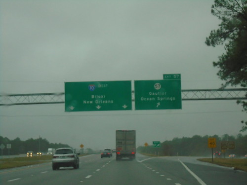 i10 jacksoncounty mississippi sign overhead freewayjunction intersection biggreensign