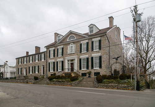 building structure early 1788 federal duncan tavern bourboncounty twostory fivebay doublepile centralpassage limestone stone paris kentucky unitedstatesofamerica us shutters woodwork trabeateddoorway sidelights transom jackarched nrhp nationalregister 73000783 1212windows 66windows cornices dormers lunette window palladian