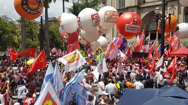 A possibilidade de contribuição por negociação coletiva ou assembleia foi eliminada pela MP  - Créditos: (Foto: Lu Sudré)