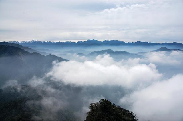 加里山山頂展望--聖稜、雪劍連稜