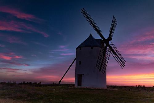 A dream sunset by the Windmill de Viñuelas ........., Un Atardecer de ensueños junto al Molino de Viñuelas.........