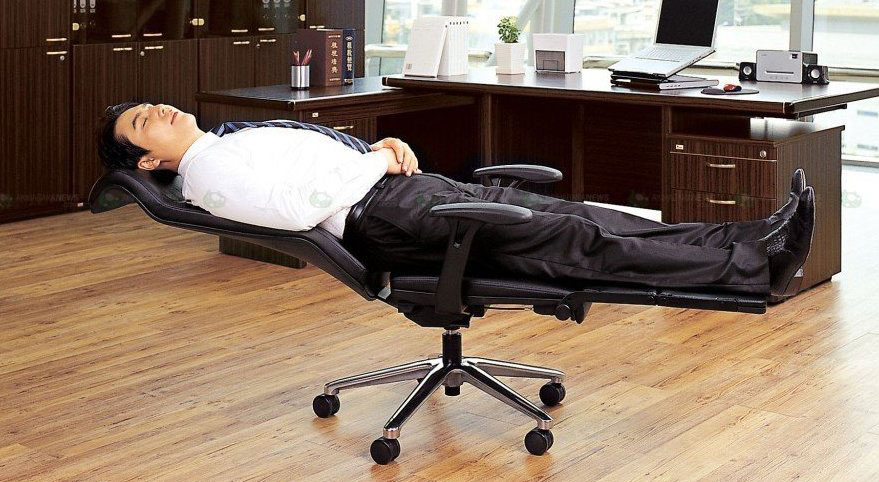 Give your back a relaxing time out with reclinable office chairs - Image 3