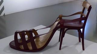 Sesselschuh oder Schuhsessel ? / Chairshoe or Shoechair ?