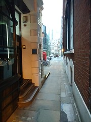 Copthall Buildings EC2 alleyway