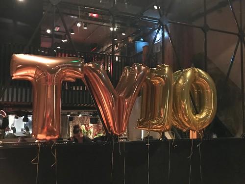 Folieballon Cijfers en Letters TV10 Verjaardag Tonny Vilhena Feyenoord Cafe in the City Rotterdam