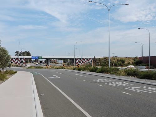 Roe Highway - Berkshire Road Interchange