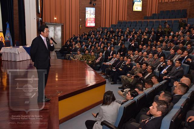 Conferencia con el Embajador de Corea
