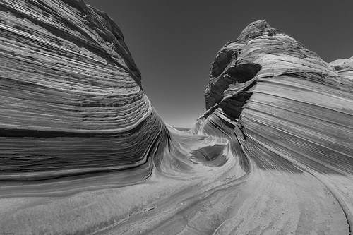 *The Wave @ black and white*
