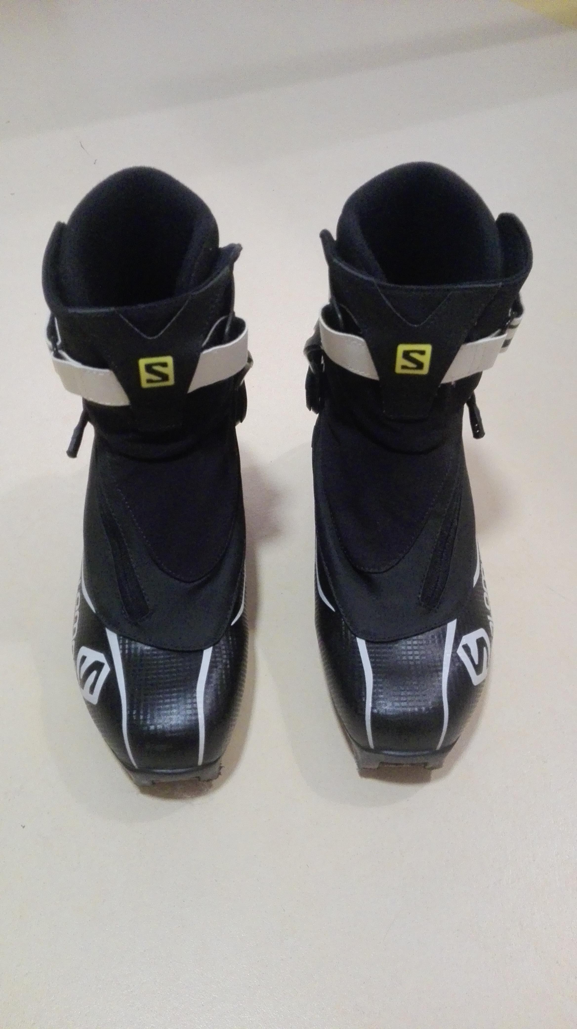 Boty Salomon Equipe 8 Skate vel.44 - Bazar - Běžky.net a2b9a568a26