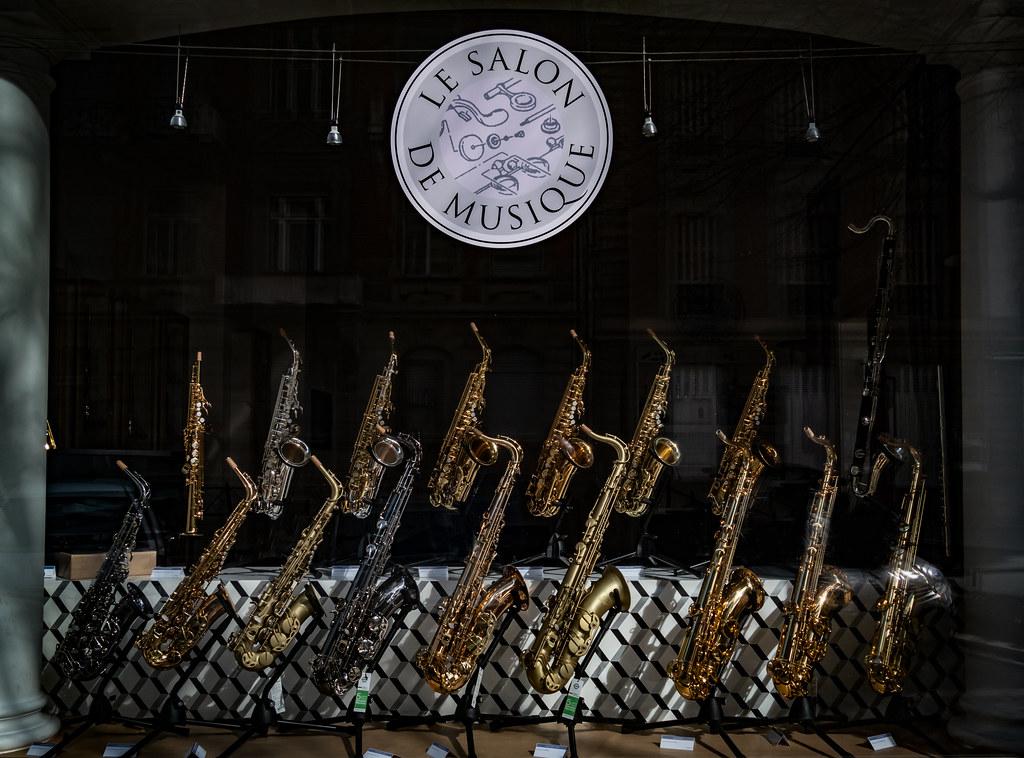 Le salon de musique - Une histoire de sax... 33465498668_b6afa2806d_b