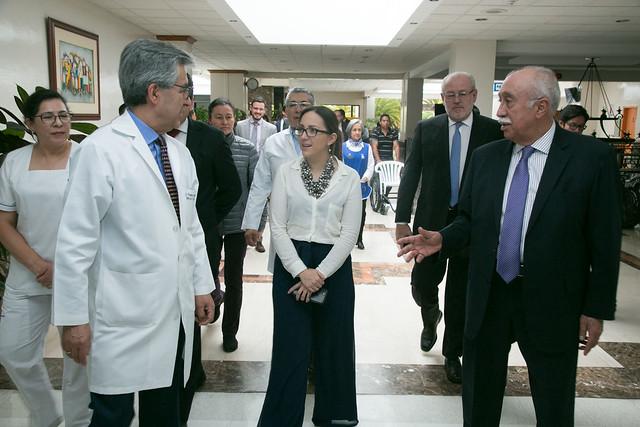 Visita al Hospital de SOLCA