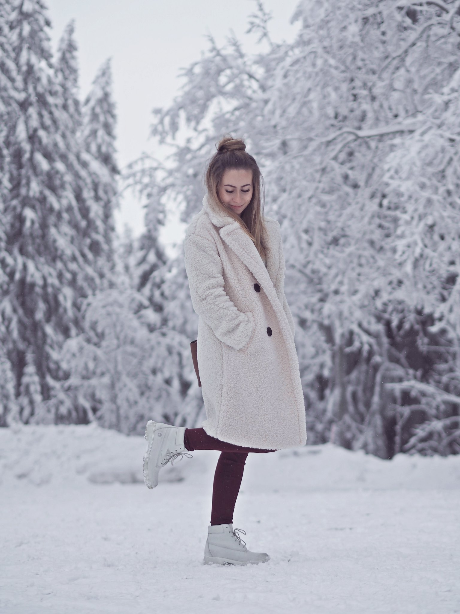 white teddy coat bershka