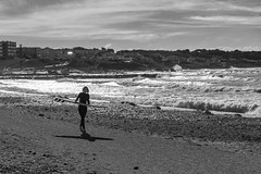 surfing girl - Photo of Six-Fours-les-Plages