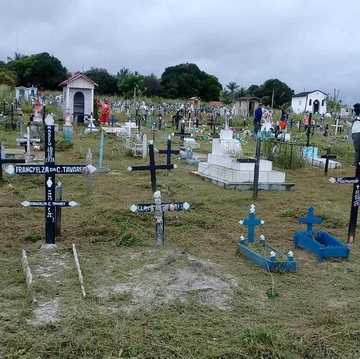 Oriximiná, Placas, Itaituba, Faro, Terra Santa e Alenquer em 6 notas curtas, cemiterio de Faro