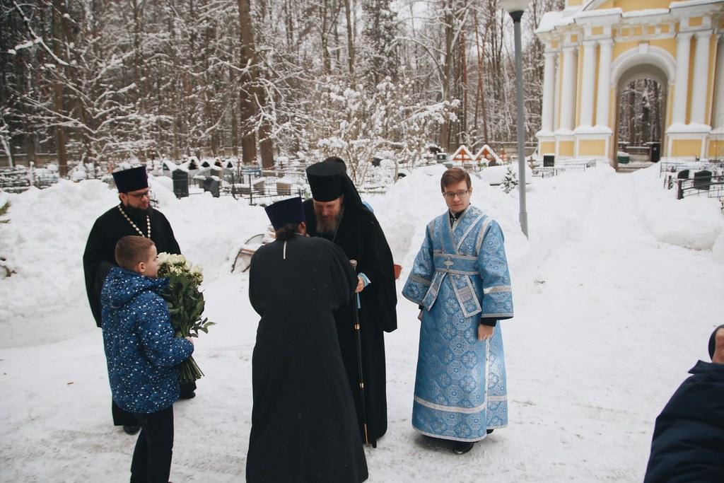 Епископ Домодедовский Иоанн совершил Божественную литургию в храме Всемилостивого Спаса в Воронове