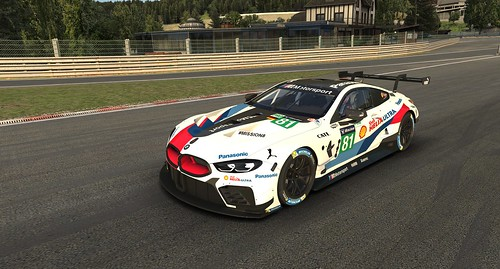 iRacing BMW M8 GTE Side