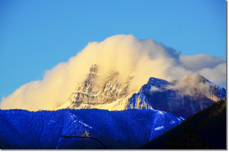 Canmore南眺Mount Lougheed (3105m) (1)