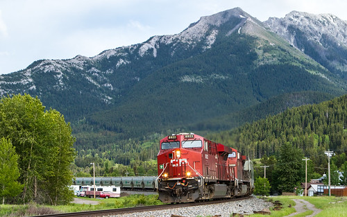 CP 8922 669 at Mile 89 Crowsnest Sub