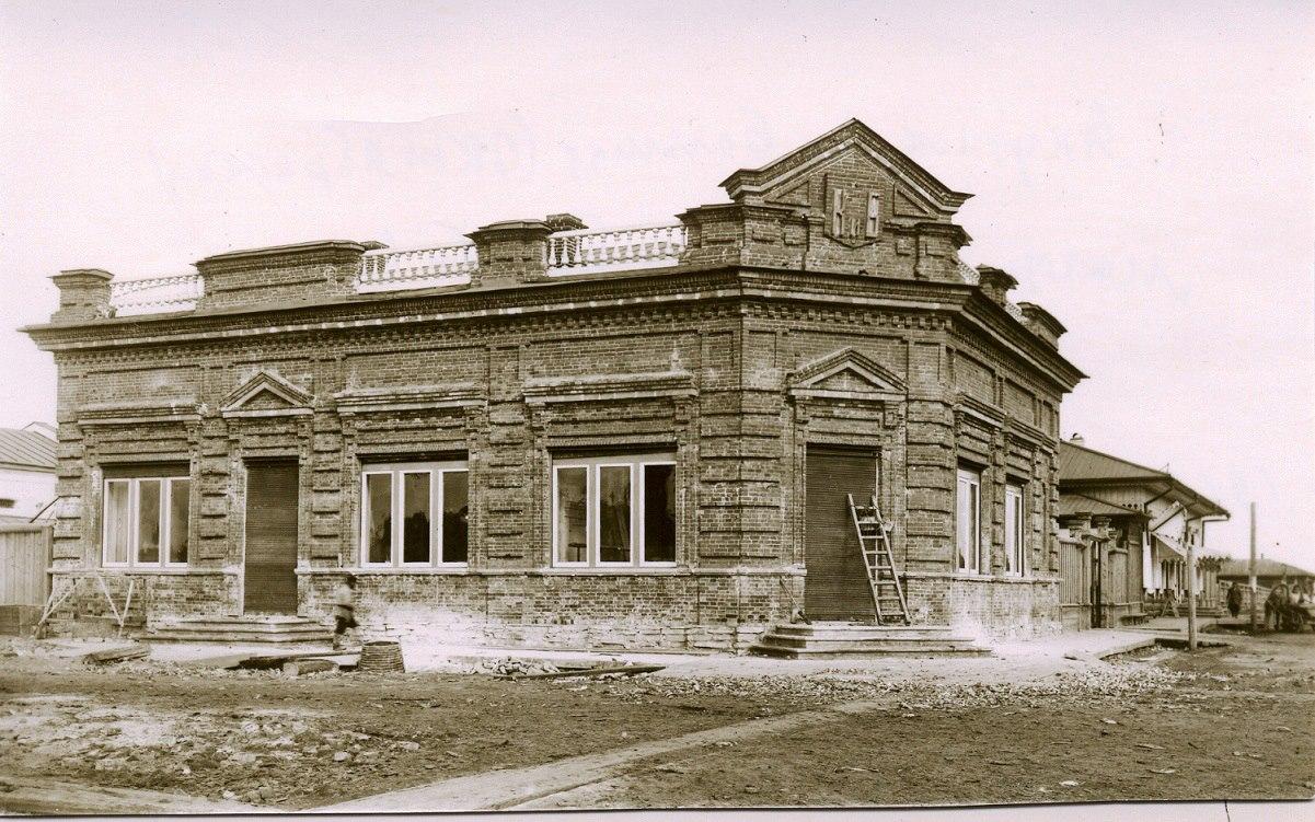 Строящееся здание магазина «Коковина и Басова»