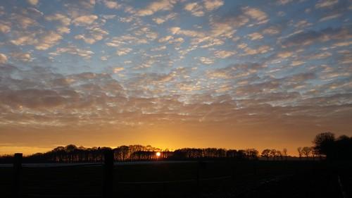 Prachtig gaat de zon onder - Foto: Tiny Post.