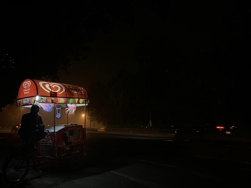 City Hangout - Winter Midnight Ice-Creams, India Gate