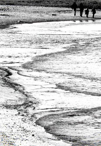 domenica in spiaggia, passeggiare