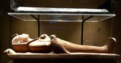 Figurine osirienne en bois de Toutânkhamon allongé sur une bière, 1336-1326 av. J.-C.