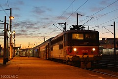 BB17075 + VB2N n°245 - AR140 - Train n°136728 Conflans-Ste-Honorine > Paris-St-Lazare