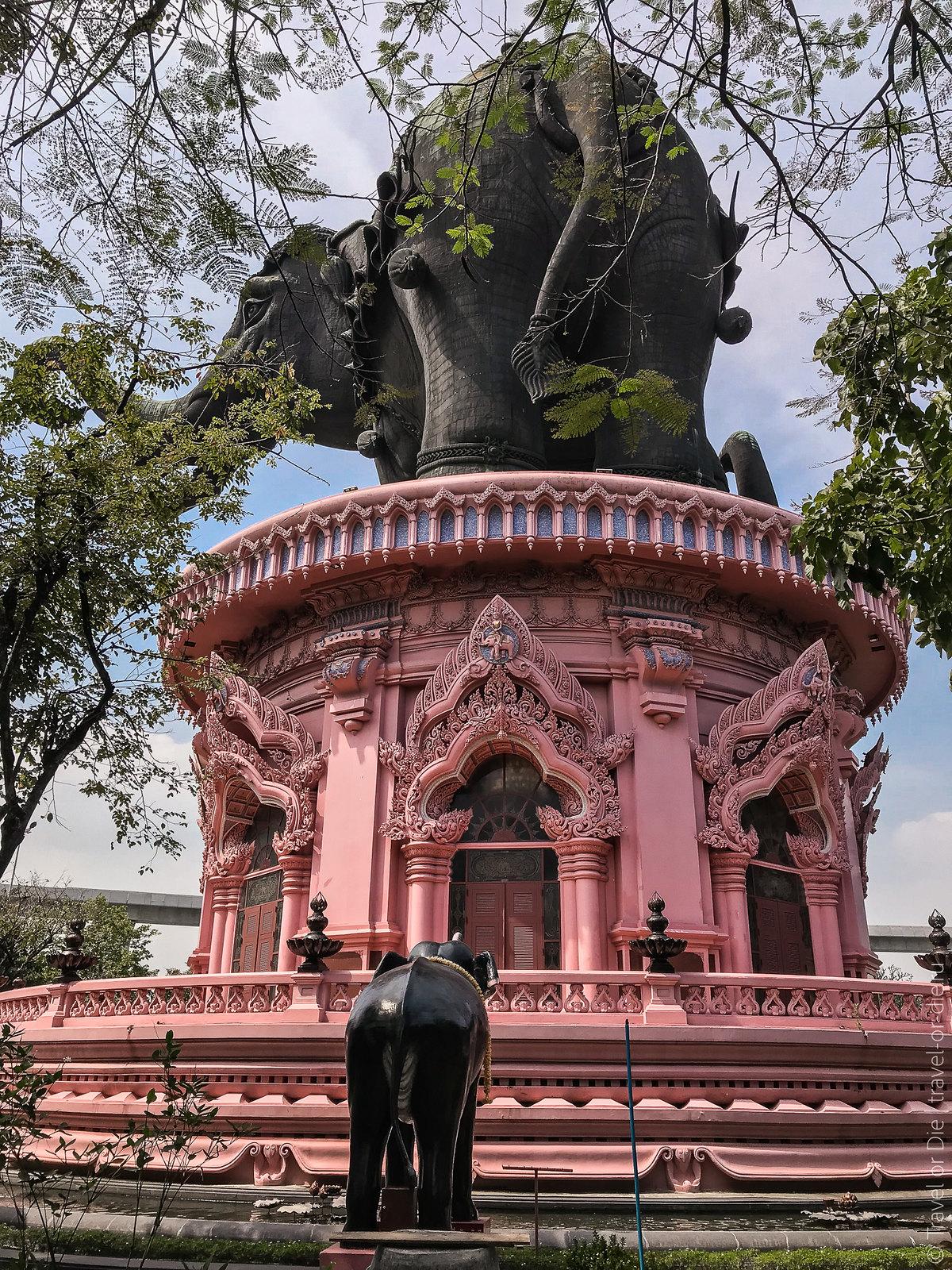 Erawan-Museum-Bangkok-iphone-9713
