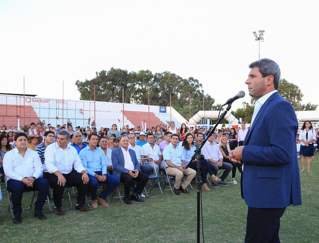2019-02-05 PRENSA :ENTREGA DE ANTEOJOS A VECINOS DEL DEPARTAMENTO SANTA LUCÍA