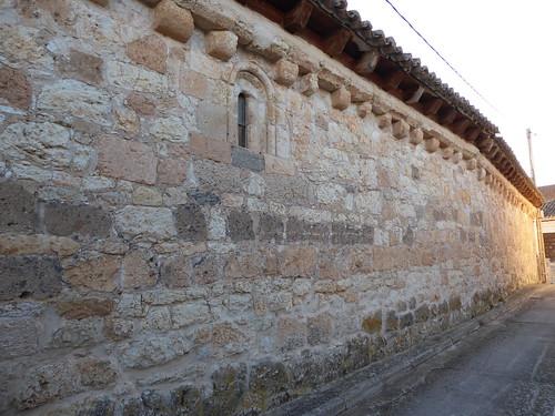 Haza (Burgos-España). Muro de la Iglesia