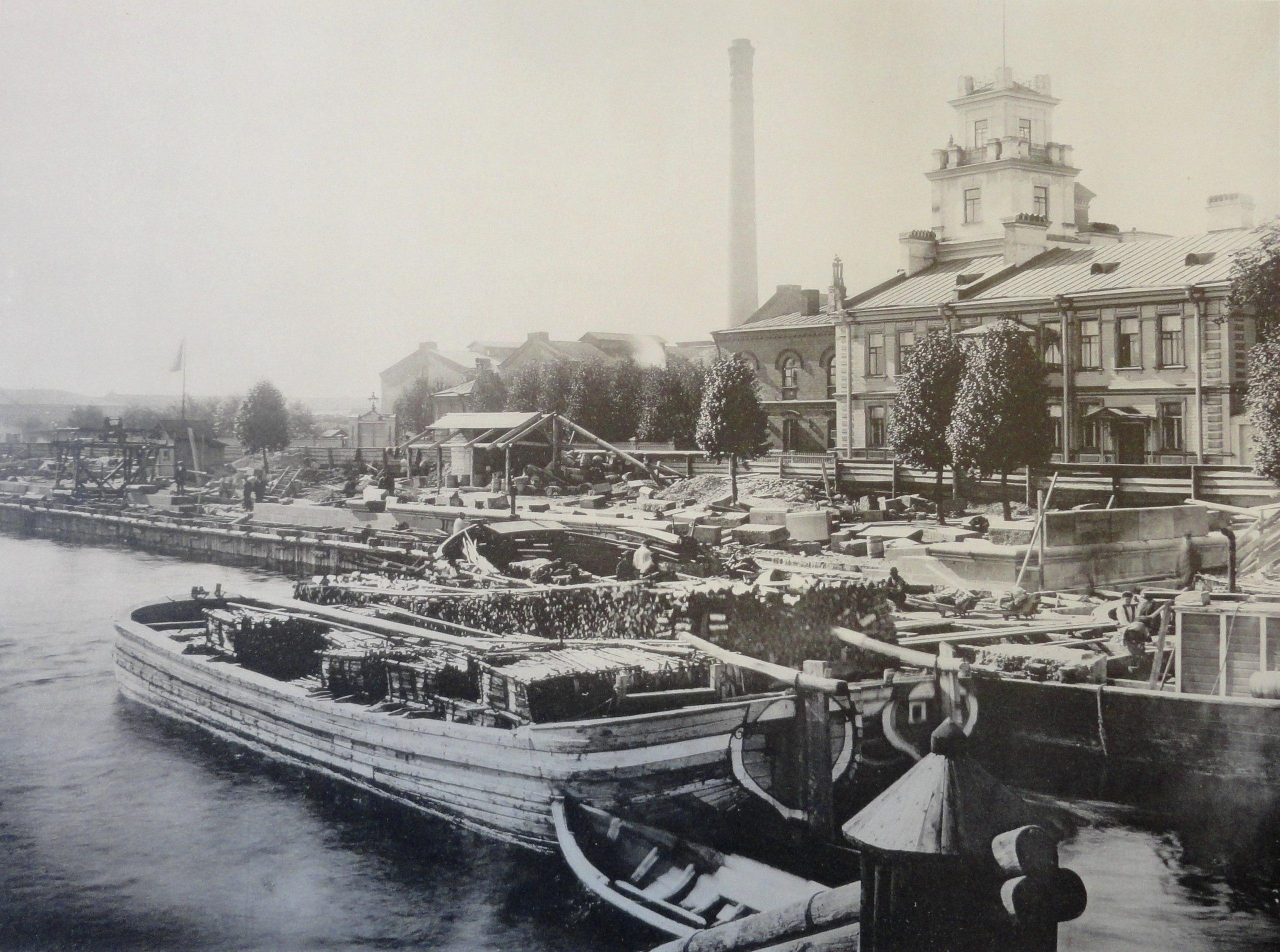 1902. Набережная у Самсониевского моста. Осень