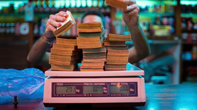3224 Venezuela's currency is so worthless that people don't count it but weight it 05