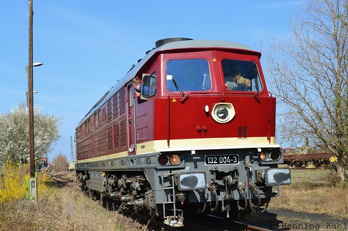 132 004-3 im Bw. Staßfurt